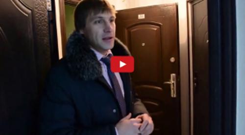 dmitrij_koretskij_uchastnik_platinum_gruppy_pokazyvaet_svoj_kejs_02_04_2015_14_29_24